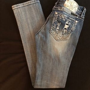 Miss Me Signature Straight Jean. Size 27
